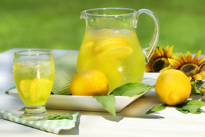 How to Made lemon and maple syrup detox recipe?